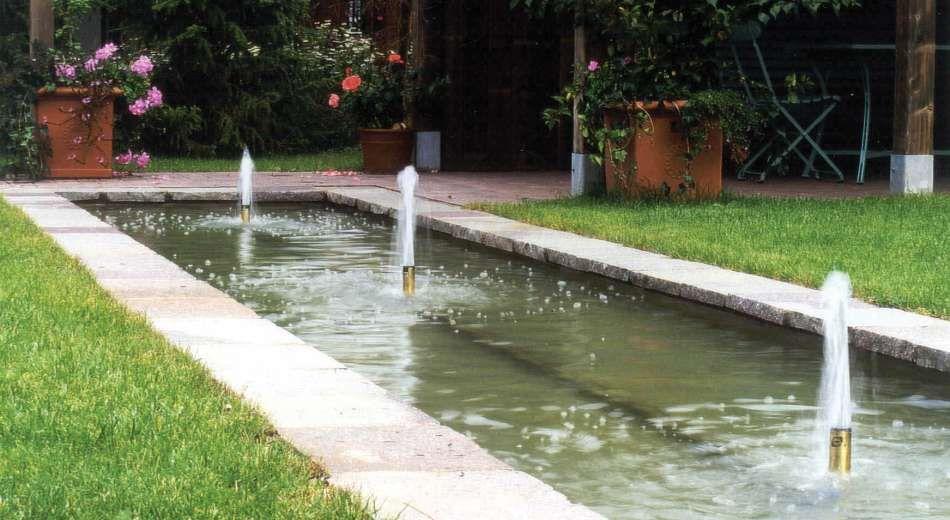 Bildergebnis für kleine gärten sichtschutz Wasser im Garten - gartenideen fur kleine garten