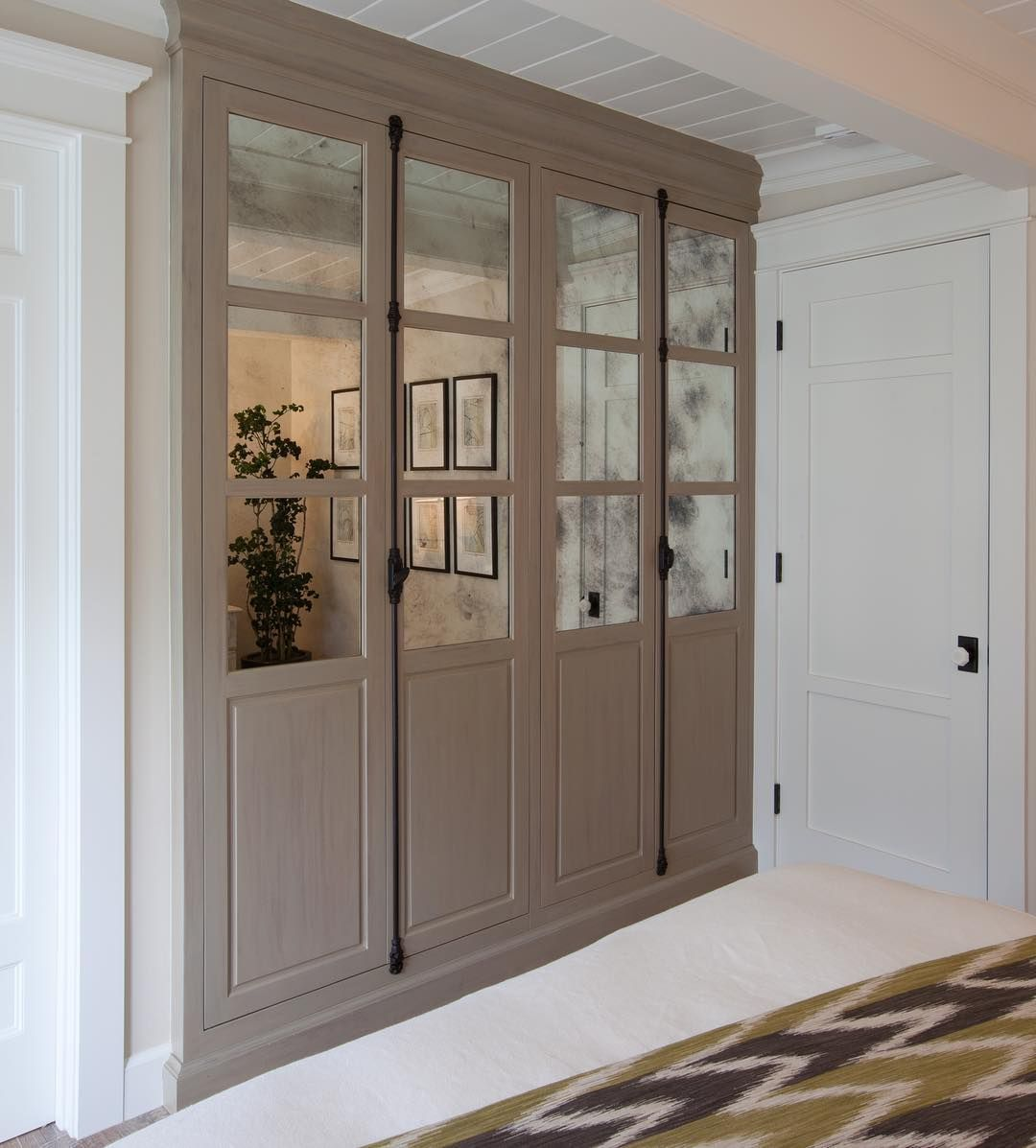 The Short List Current Cabinetry Obsessions Dlghtd Cabinetry Mirrored Cabinet Doors Inset Cabinets
