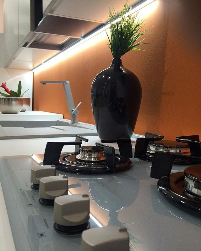 Dettagli in cucina. Vieni a vedere tutti i modelli del più grande centro cucine del Sud Italia. All'ingresso  di Modugno in via Roma 120.