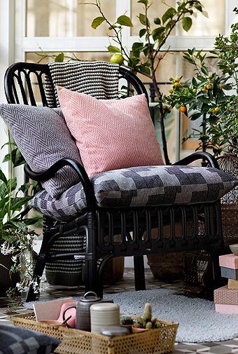 Zur Kollektion gehören handgewebte Textilien, handgetöpfertes und