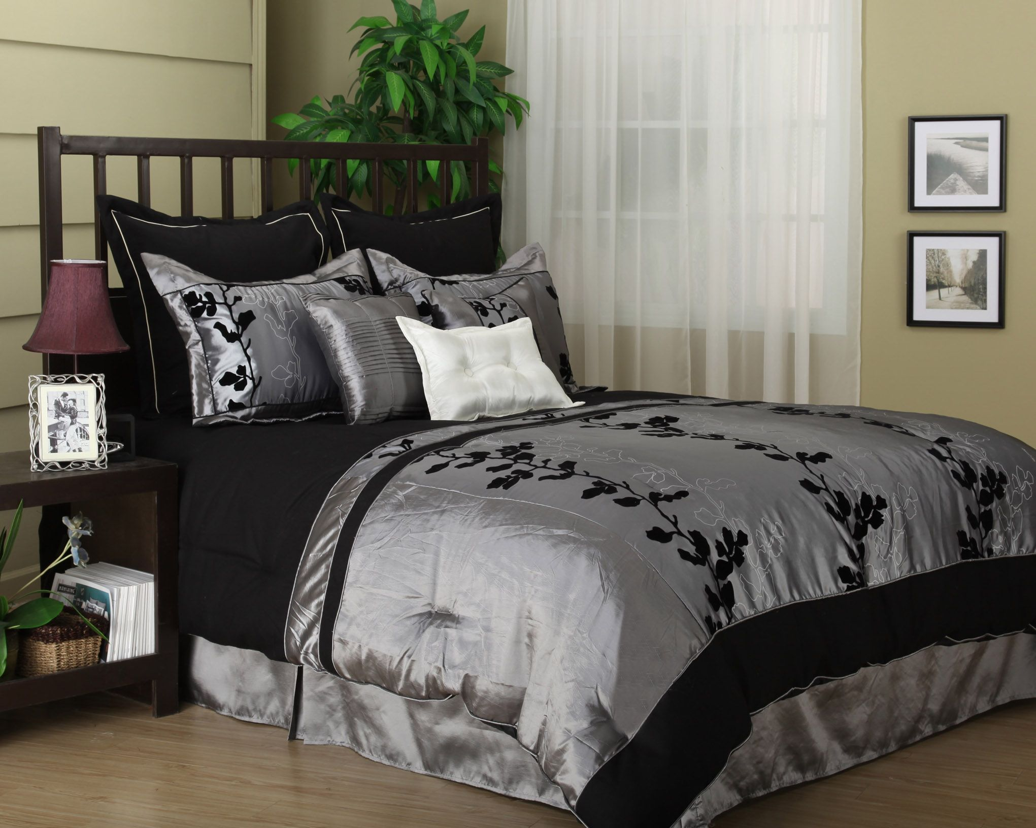 wendy silver/black 7-piece comforter set bed-in-a-bag king / queen