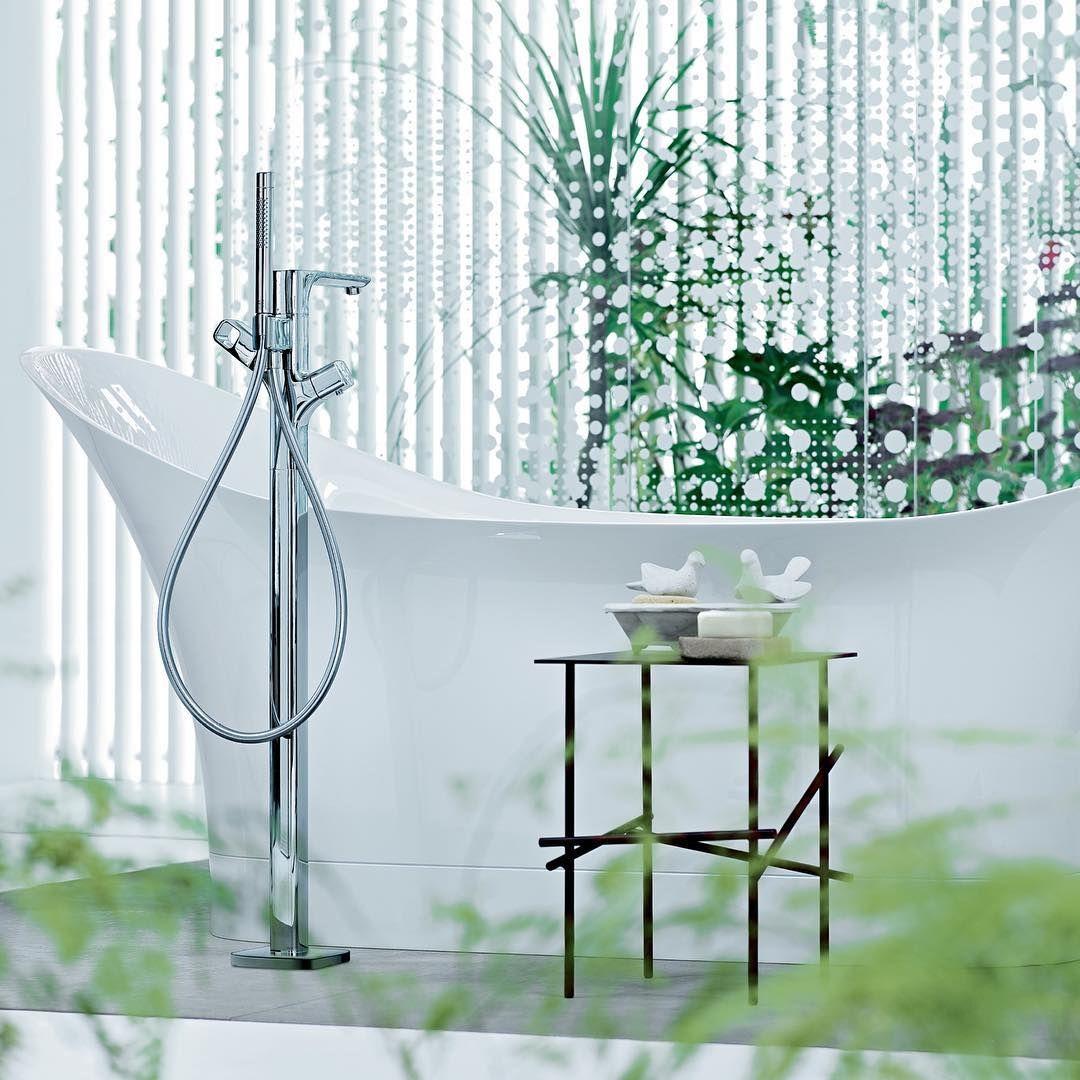 Nostalgic bathing pleasure in the washtubs of today.  @patricia_urquiola   #AXOR #AXORnordic #PatriciaUrquiola #design #interior #interiordesign #bathroom #bathroomdesign #bathroominspo #nordicbath #inspiremeinterior #interiorinspirasjon #inredning #sisus