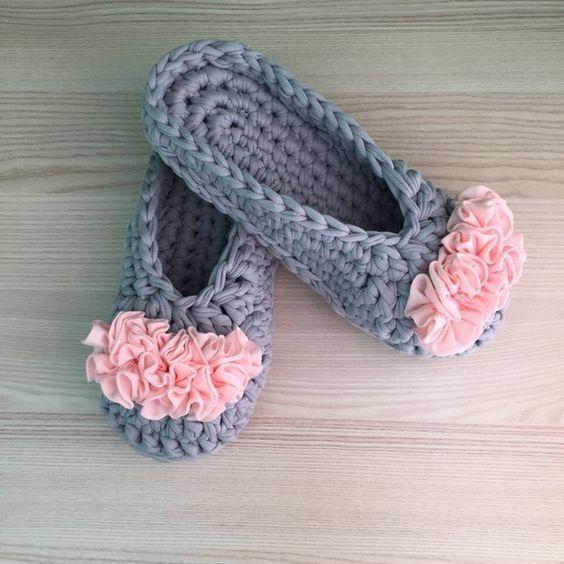 Como Hacer Pantuflas De Trapillo A Crochet Paso A Paso El Como De Las Cosas Zapatillas De Ganchillo Zapatos De Ganchillo Pantuflas De Ganchillo