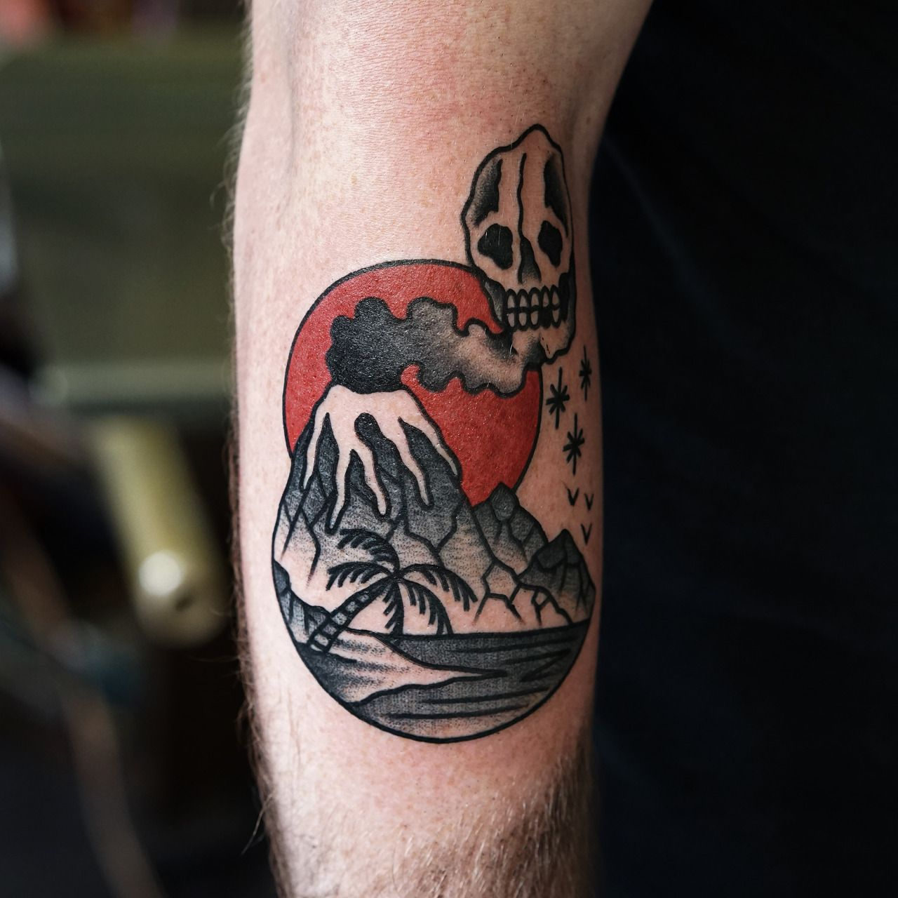 Volcano Tattoo Tumblr Mom Tattoos Tattoos Classic Tattoo