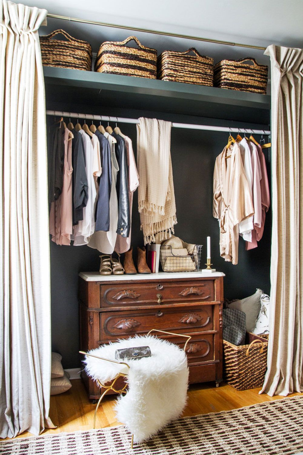 How to cover a closet without doors: Inexpensive options