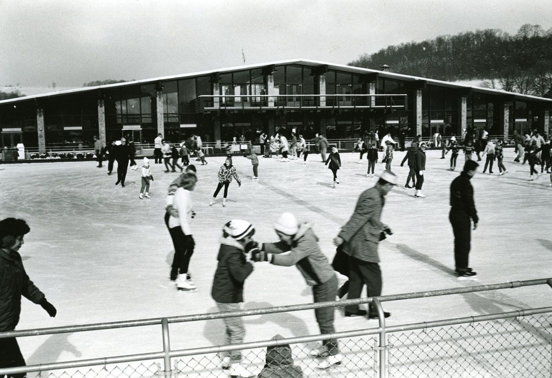 North Park Ice Skating rink in February, 1964. The rink at North Park was built in 1958. Allegheny Conference on Community Development Photographs, Detre Library & Archives, Heinz History Center.