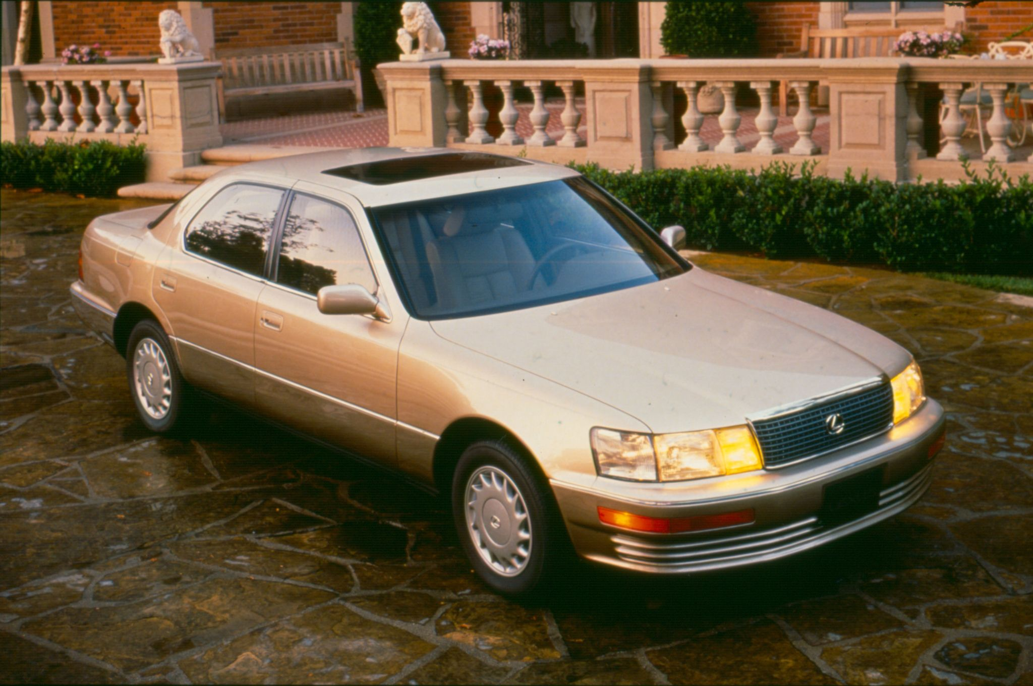 1990 became a fantastic year to own a lexus lexusls400 ls400 [ 2048 x 1360 Pixel ]