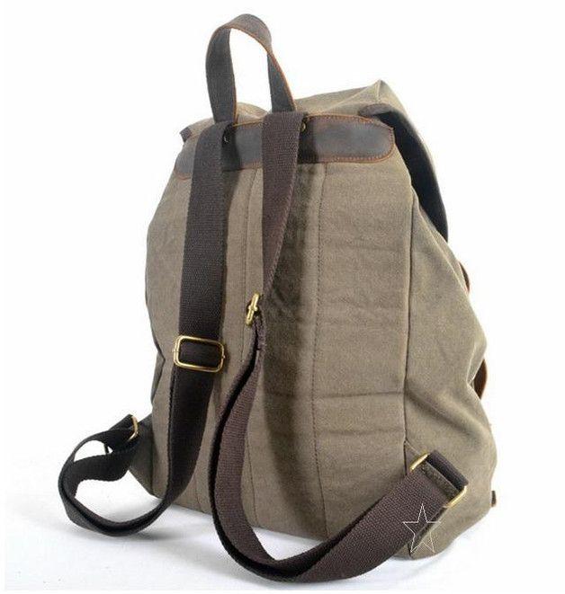 Dieser außergewöhnliche Rucksack/Reisetasche/Sporttasche ist aus robusten  Segeltuch/Canvas und Büffelleder genäht.Chic und funktionell!  Voller liebevoller, kleiner Details, Design und Material...