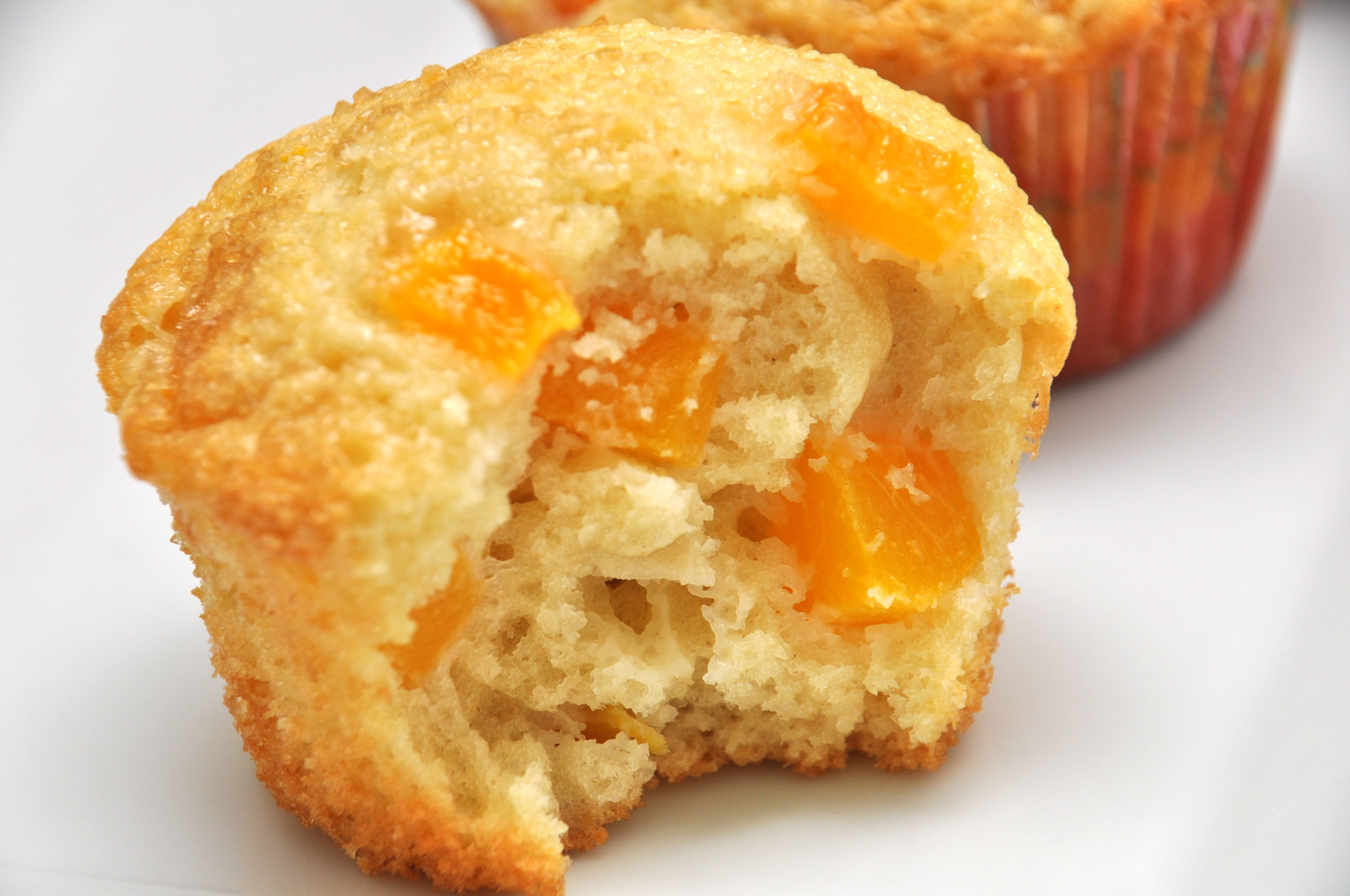 Peach Muffins Lighter Version Of Starbucks Preheat 400 Degrees