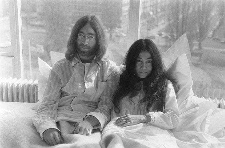 Art Print POSTER John Lennon and Yoko Ono in Bed
