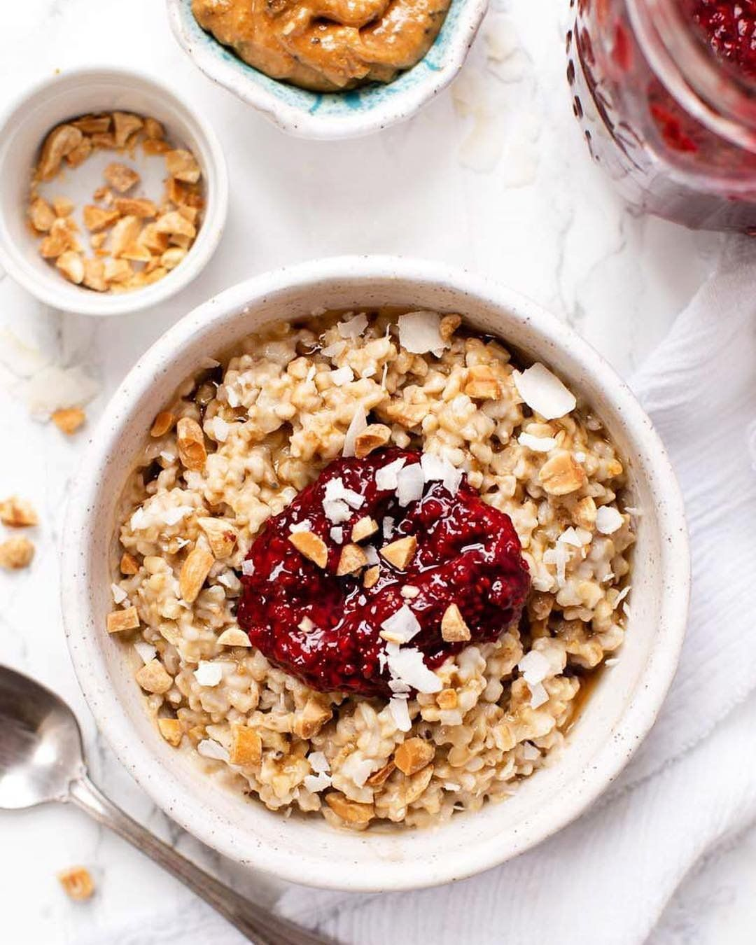 Simplyquinoa Has Put Together 6 Different Healthy Delicious Fl Smoothie Bowl Recipe Healthy Smoothie Bowls Recipe Easy Smoothie Bowl Recipe Healthy Breakfast