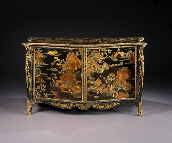 An Exceptional George III Lacquered and Brass Mounted Black and Gilt