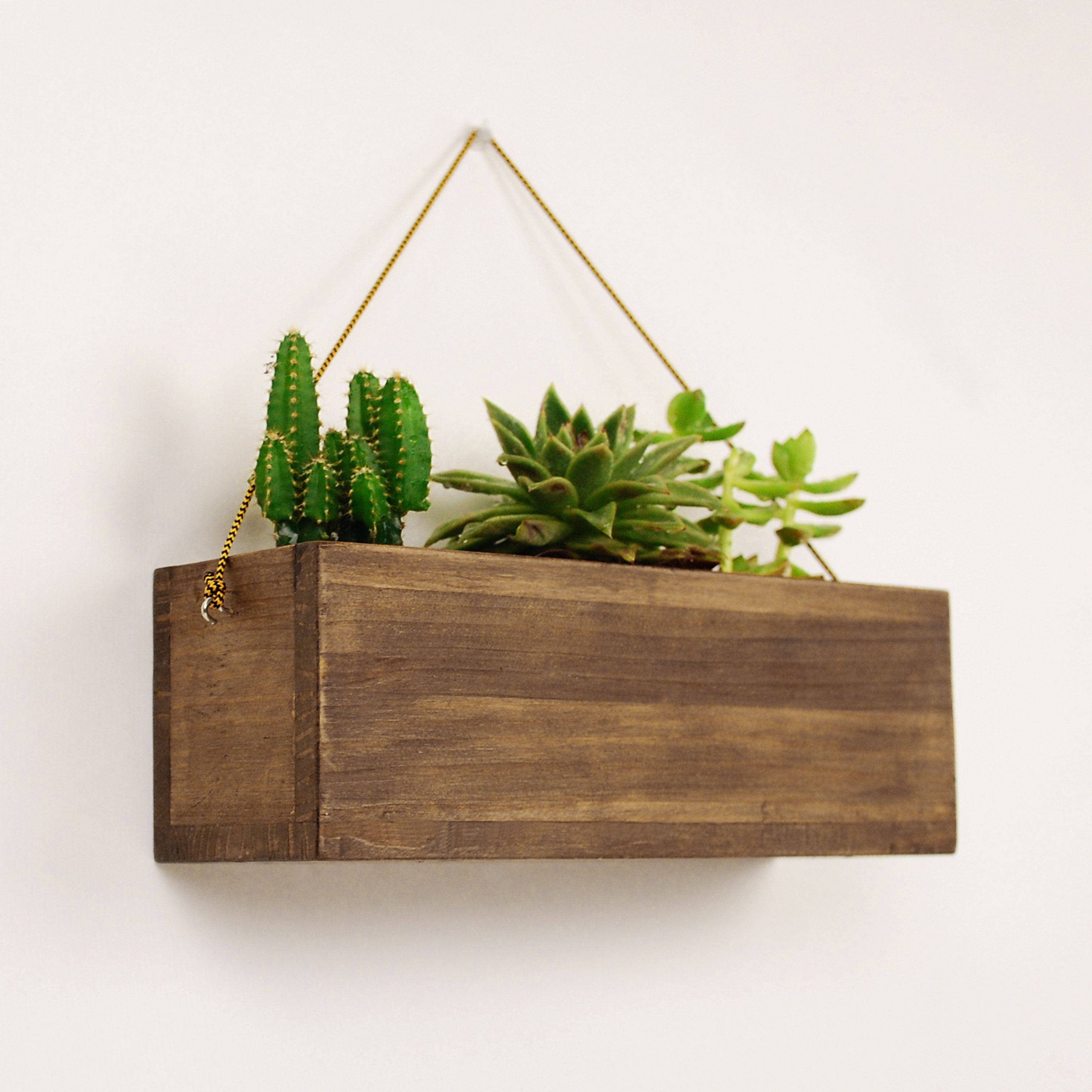 Vintage Wooden Hanging Planter For Succulents And Cactus Simple Wood Indoor Wall Hanging Planter Rustic Wood Indoor Plant Pot Wall Hanging Plant Pots Hanging