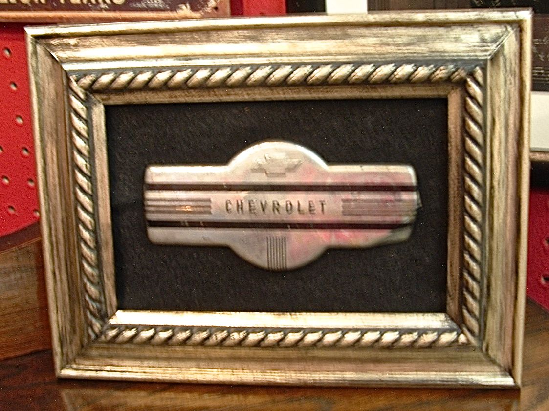 Chevy auto emblem