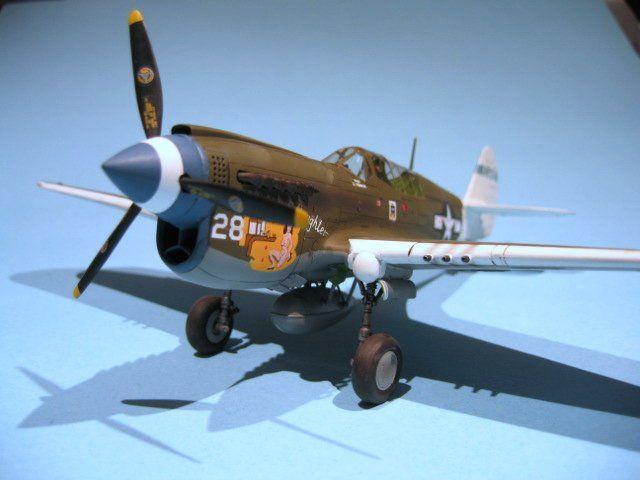 Trumpeter 2228 Curtiss P-40B Warhawk in 1:32
