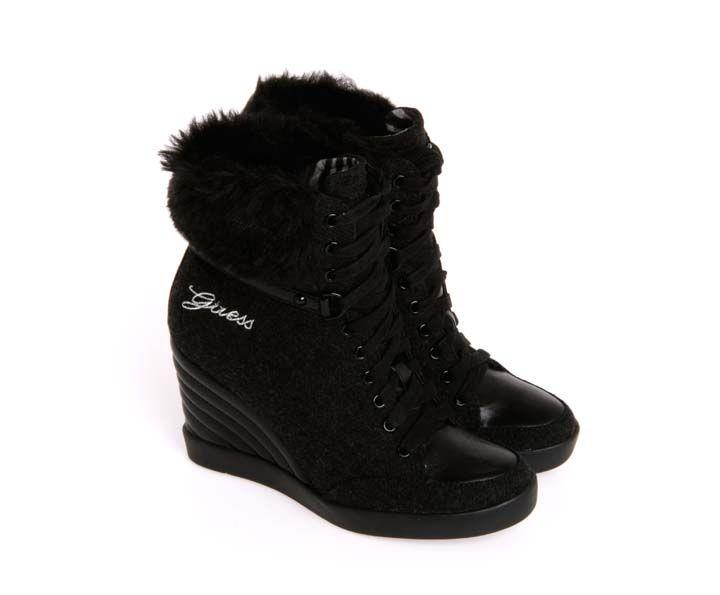 best sneakers 65fe3 fabb9 Stivaletto Guess con zeppa, pelliccia ecologica sulla ...