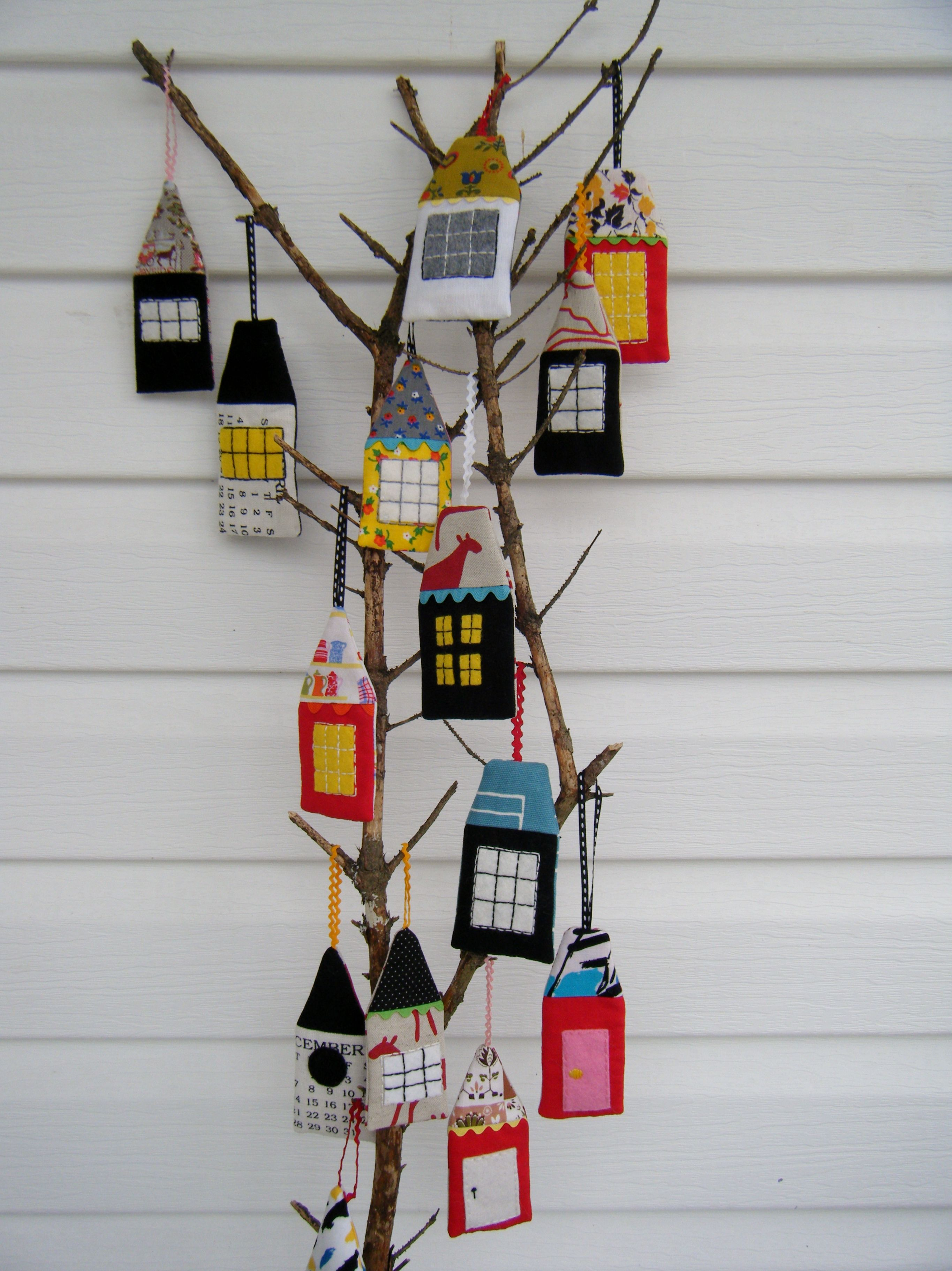 Fabric House Ornaments Fries In A Cone Fabric Houses House Ornaments House Quilts