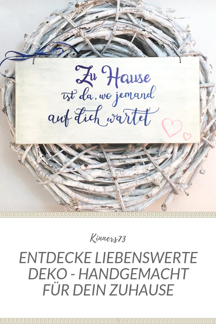 """Holzschild Deko Schild mit Spruch """"Zuhause ist, wo…"""" Vintage handgemacht Türschild Zuhause Dekor Wohndeko Wanddekoration weiß Kalligraphie"""
