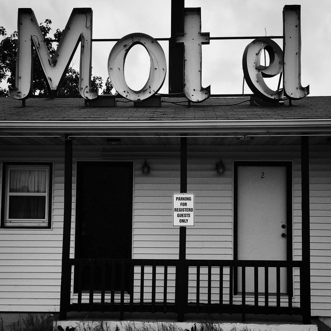 Old Motel Near Meremec, Missouri #abandoned #abandoned