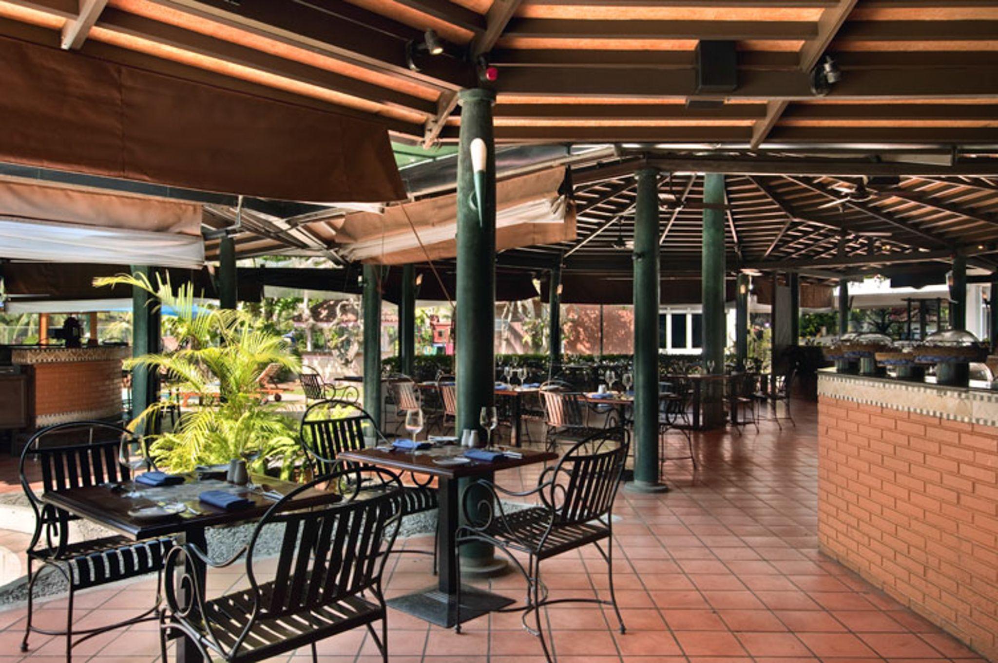 Il Ponte Hotel, Pergola, Hilton hotel