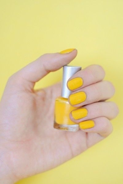 This manicure / 33 Reasons Mustard Yellow Is The Very Best Color (via BuzzFeed)