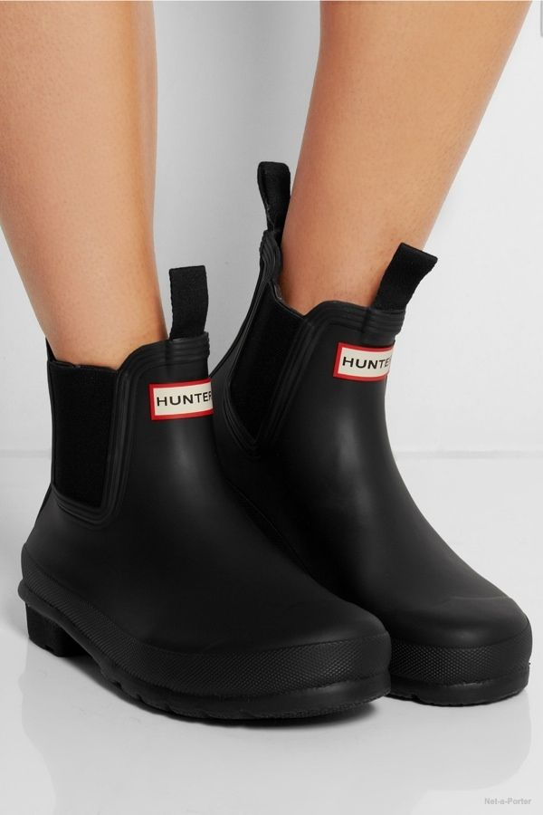 5 Rubber Boots to Make It Through the Rain With Short Black Rain Boots c23b7a0f12d