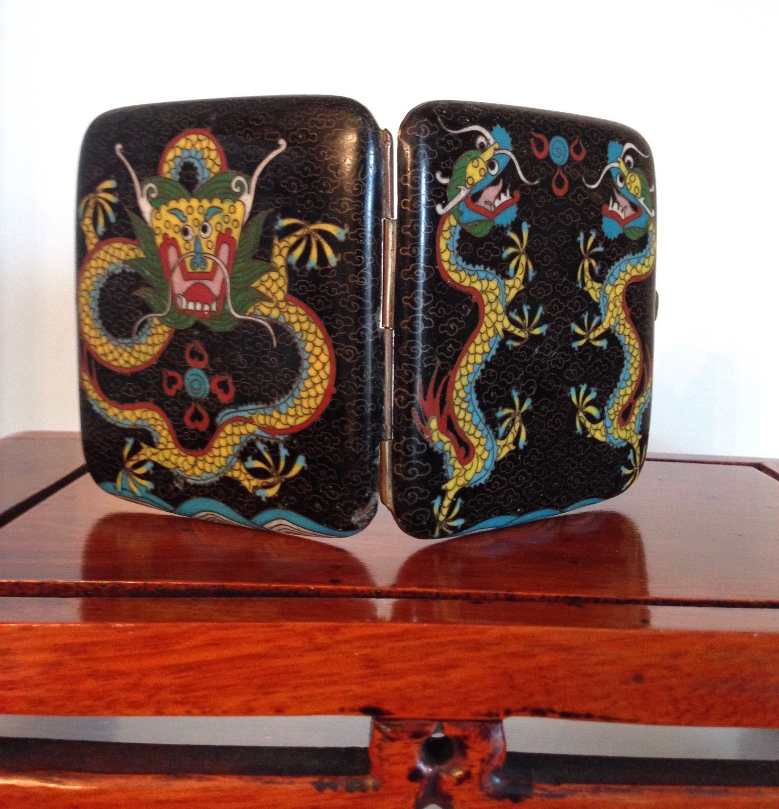 Antique chinese cloisonne cigarette case dragons chasing the antique chinese cloisonne cigarette case dragons chasing the flaming pearl ebay reviewsmspy