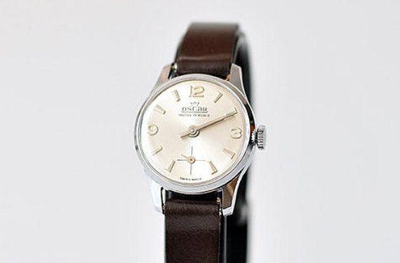 Vintage Oscar Swiss made watch/17 Rubis/brand new/mint/ rare