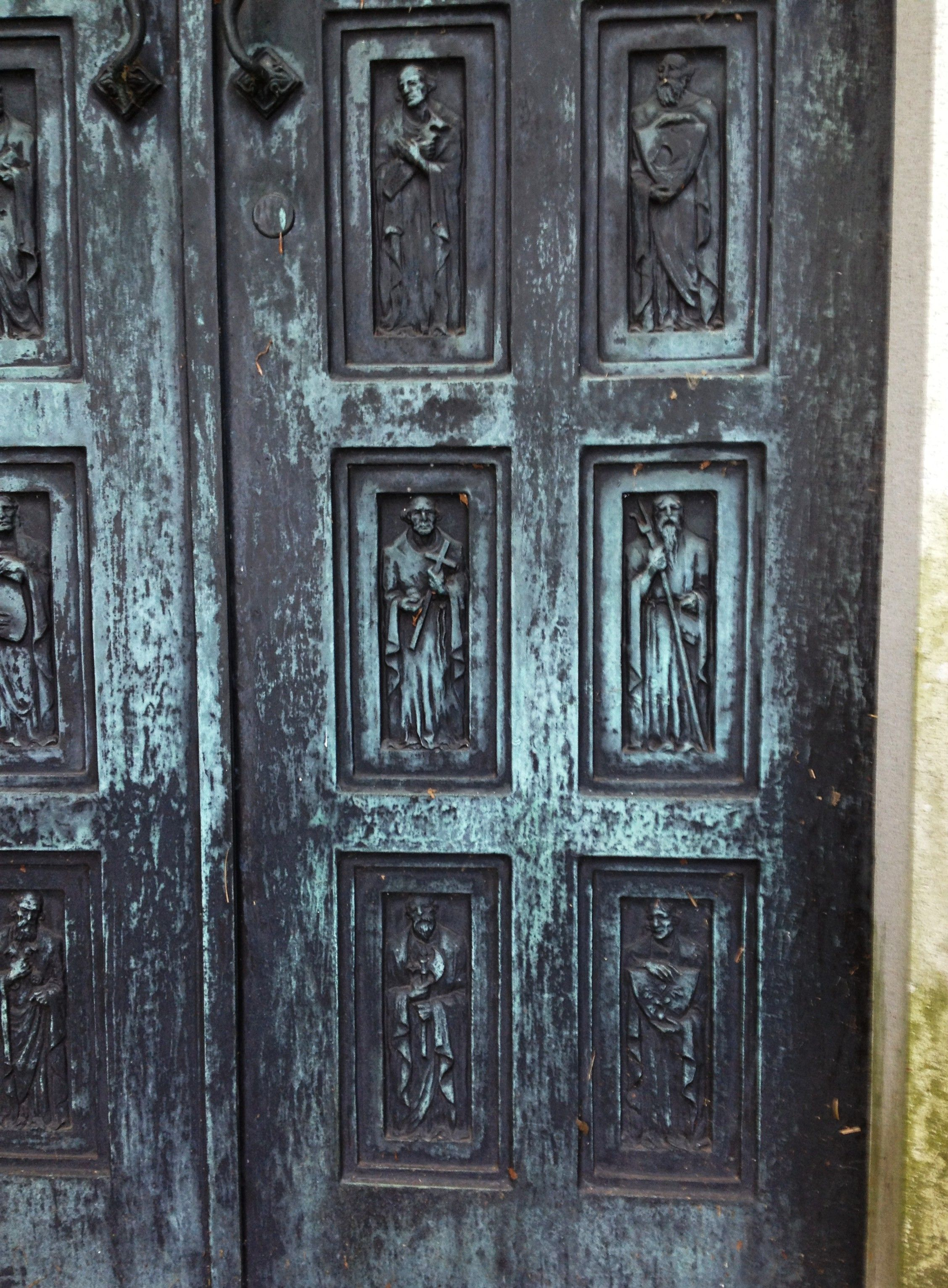 Close-up of the Nax mausoleum door at West Laurel Hill Cemetery in Bala Cynwyd & Close-up of the Nax mausoleum door at West Laurel Hill Cemetery in ... Pezcame.Com