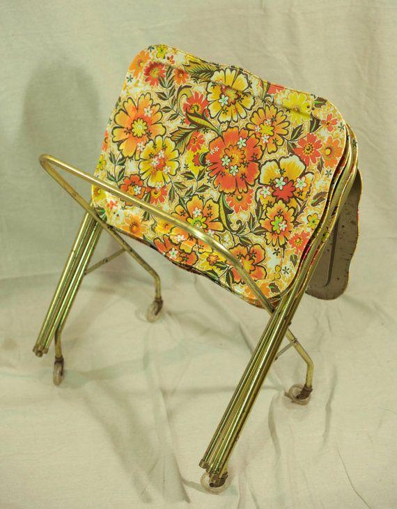 Vintage LAVADA TV Snack Folding TRAY TABLE  Flowers.