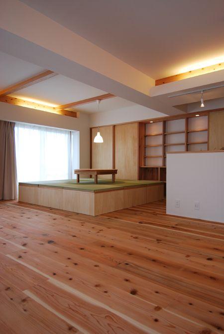 Buy tatami boxes and make small Japanese corner