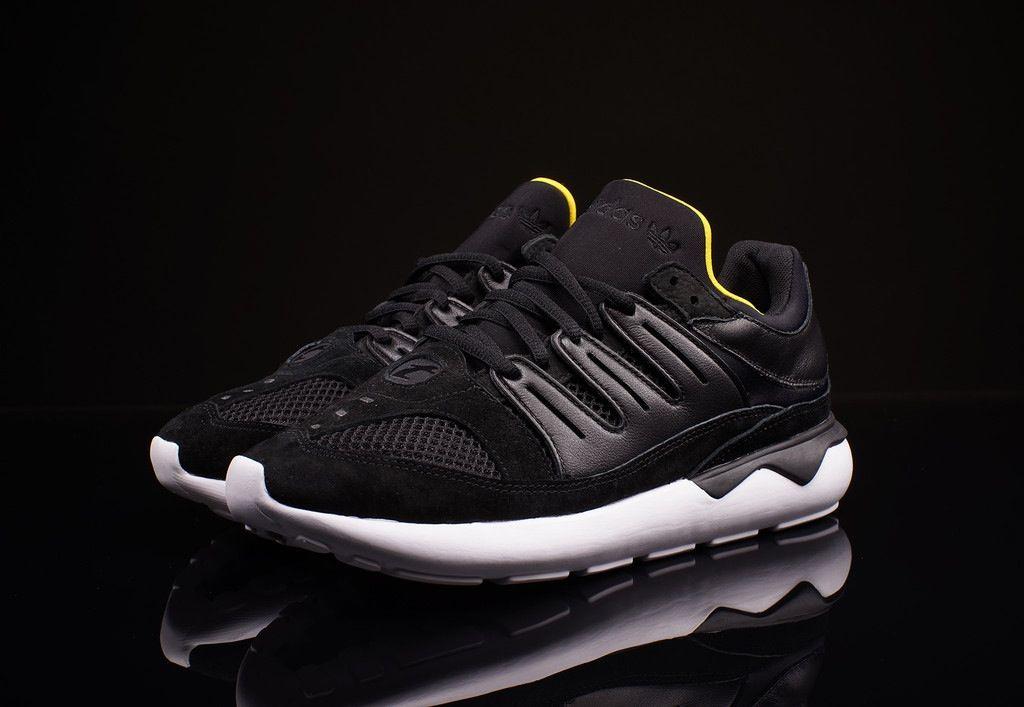 6cfe6f290b3 adidas tubular 93 og Core black white