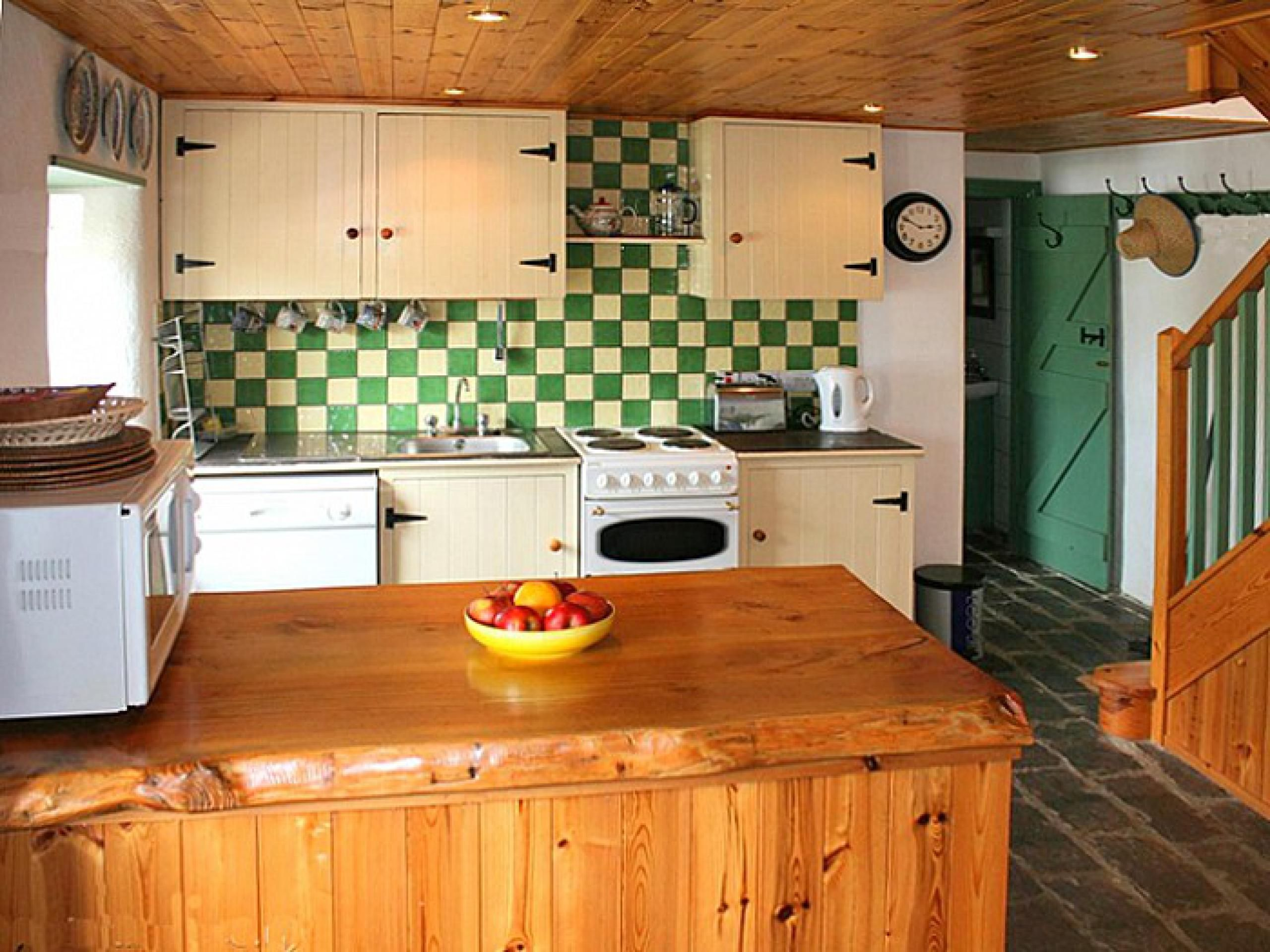 140 Sneem Holiday Cottage In Kerry Shamrock Cottages Home Decor Kitchen Interior