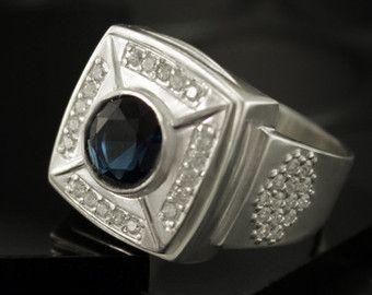 fbb318dd09cd Anillo de sello plata con piedras anillo grande de por MasterRings ...