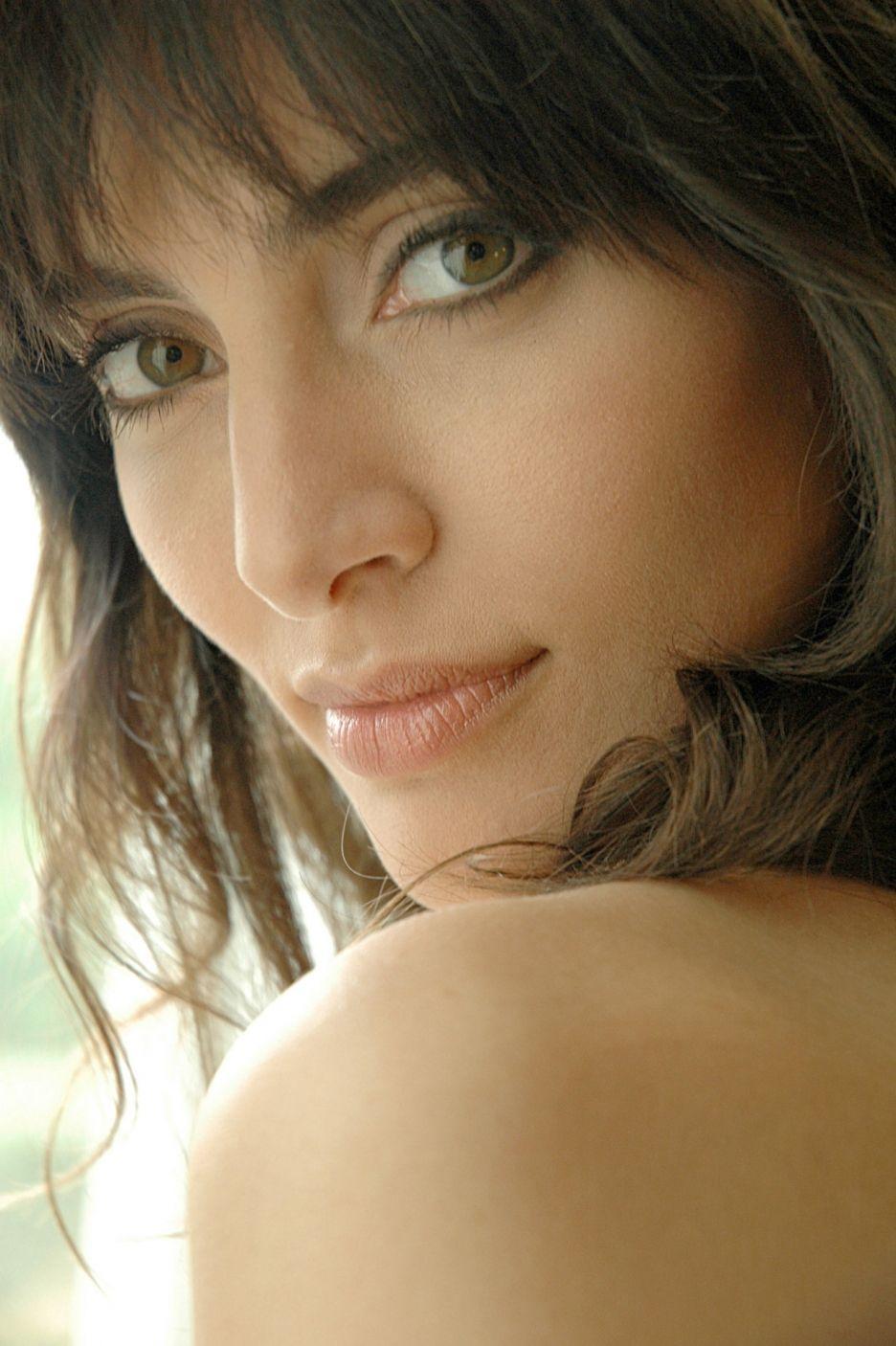 Teresa Churcher Hot tube Leslie Bibb,Lyndey Milan