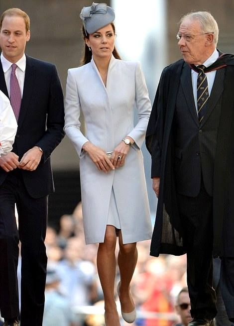 On Sunday morning, April 20, 2014, the Duke and Duchess of Cambridge attended a 10:30am Easter service at St. Andrew's Cathedral in Sydney.