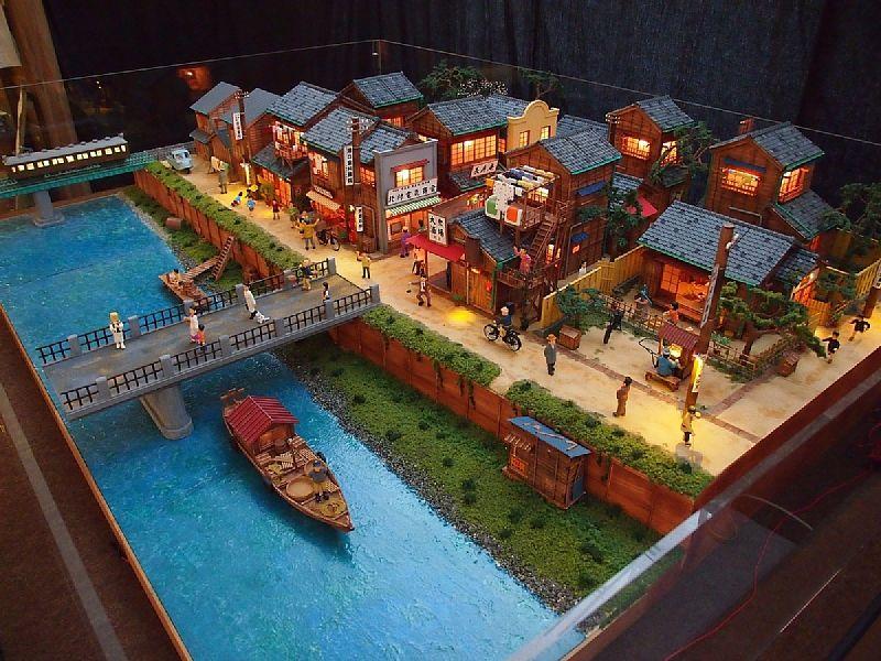山本高樹の昭和幻風景ジオラマ展 日本家屋 間取り レゴの建物