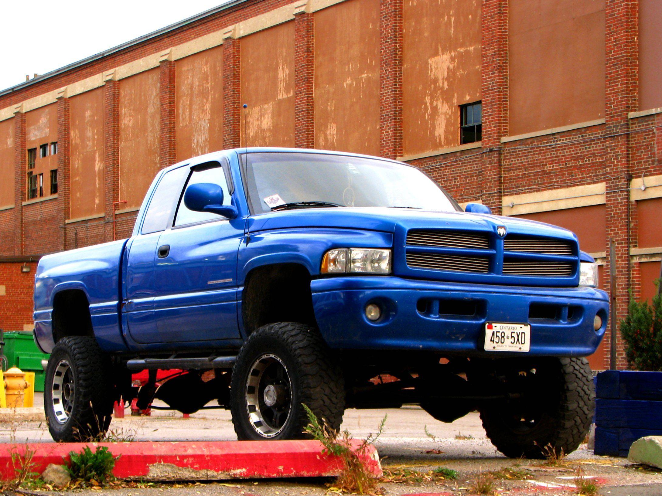 Moritz Chrysler Jeep Dodge Ram 9101 Camp Bowie W Blvd 2 Fort