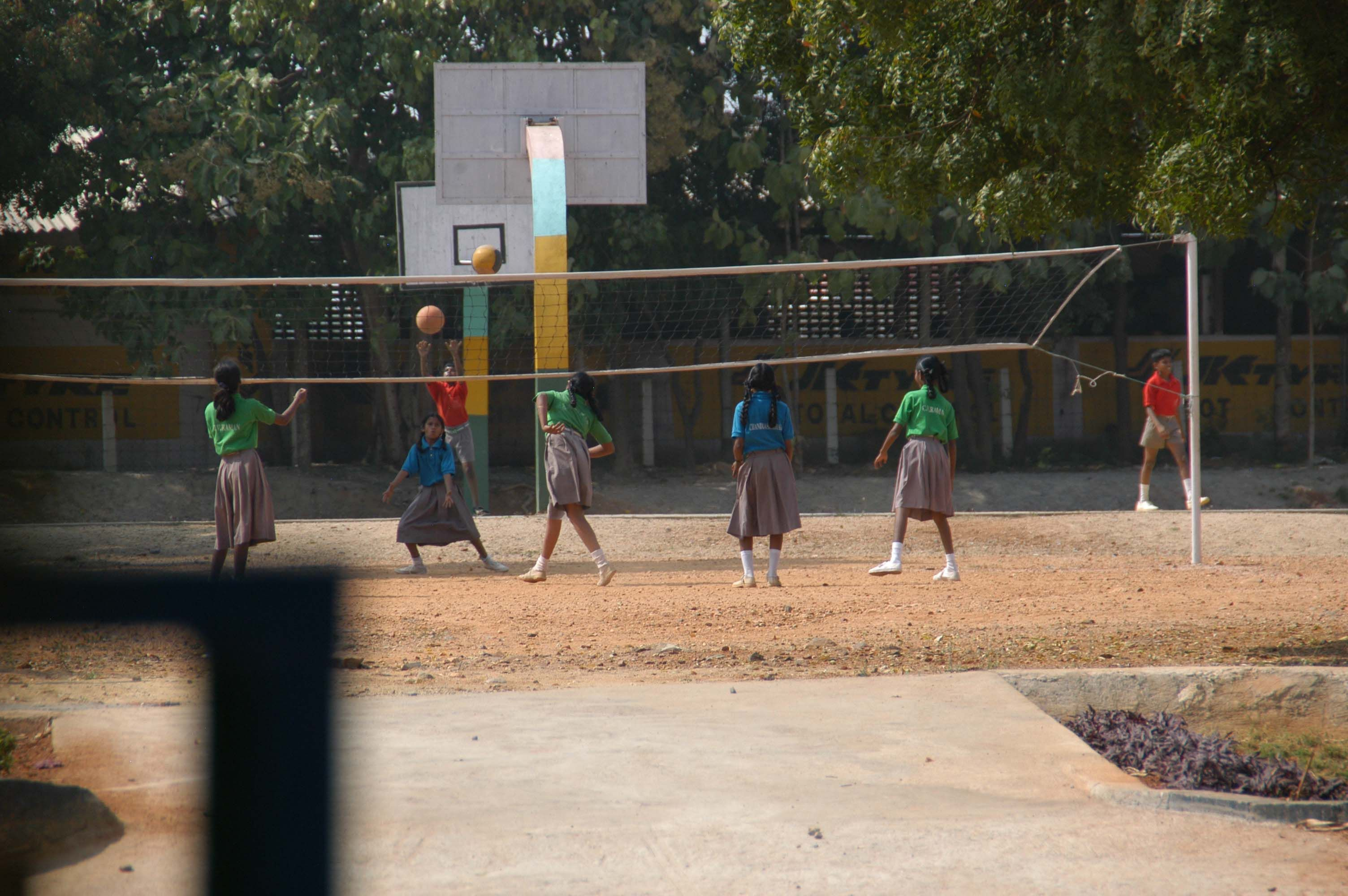 Students Playing Volleyball At Our Primary School Vedavalli Vidyalaya Education In India Primary School Education