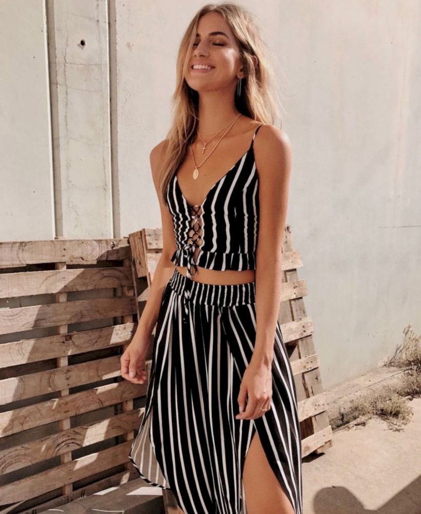 47 Cute Two Piece Summer Outfits Ideas Fashionssories Com Two Piece Summer Outfit Summer Outfits Fashion [ 1001 x 820 Pixel ]