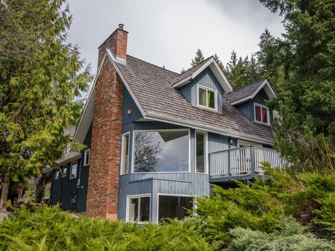 Home for Sale - 5221 Hartnell RD, Vernon, BC V1B 3J4 - MLS® ID 10091254. Gorgeous 5.08 acre paradise with 2 lovely homes. Beautifully updated 4000+ sqft family executive home with fabulous view over the city and Okanagan Lake, plus a detached garage.