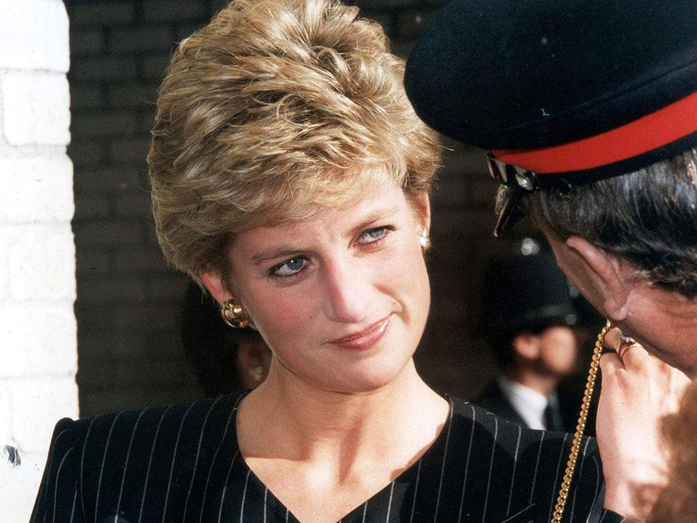 The Reason Why Princess Diana Got Her Iconic Short Haircut In 2020 Princess Diana Hair Princess Diana Diana Haircut