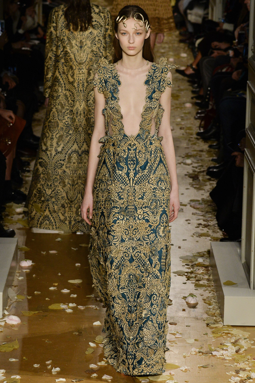 Valentino Spring 2016 Couture Fashion Show - Ala Sekula