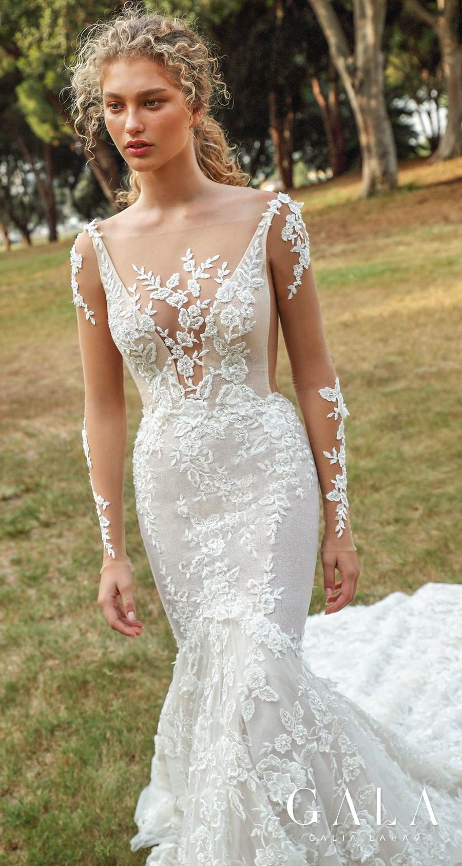 These 13 Looks Prove That Fairytale Wedding Dresses Can Also Be Glamorous Featuring Galia Lahav Gala Collection No Vii Wedding Inspirasi Backless Mermaid Wedding Dresses Wedding Dresses Backless Wedding Dress [ 1688 x 900 Pixel ]