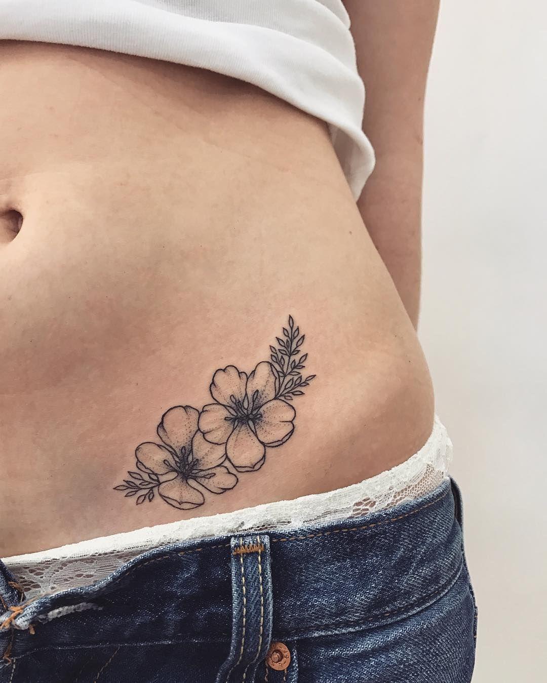 Veronicalilutattoo Floral hip tattoo, Hip tattoos women