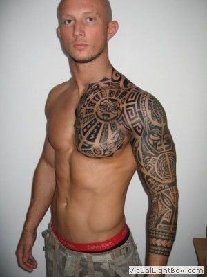 motif tatouage polynesien et maori bras complet et poitine homme tatoos and tattoo. Black Bedroom Furniture Sets. Home Design Ideas