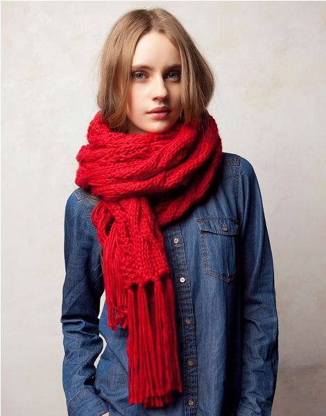 What To Wear With A Red Scarf