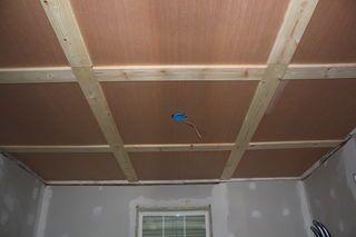 Photo of Schluss mit der Trockenmauer! Hängende Sperrholzdeckenplatten