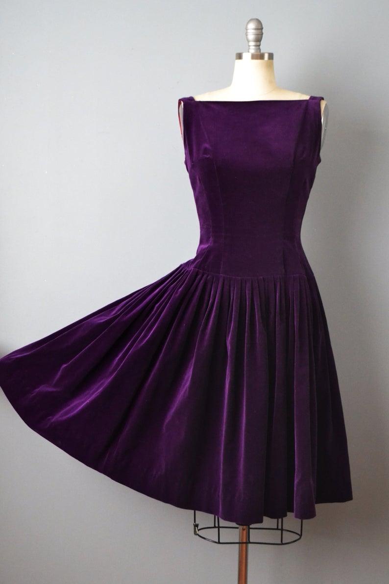 1950s Purple Velvet Dress Cocktail Dress 50s Velvet Dress Etsy In 2021 Vintage Purple Dress Purple Velvet Dress Velvet Cocktail Dress [ 1191 x 794 Pixel ]