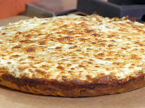 Carbonara Deep-Dish Pasta-Crusted Pan Pizza